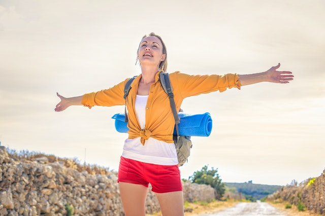 woman best tips to travelers